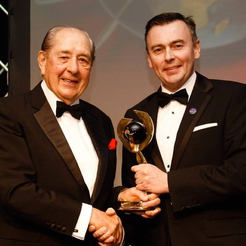 Rex Williams and WPBSA Chairman Jason Ferguson