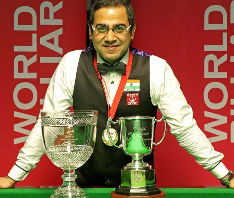 Sourav Kothari with the World Championship trophy