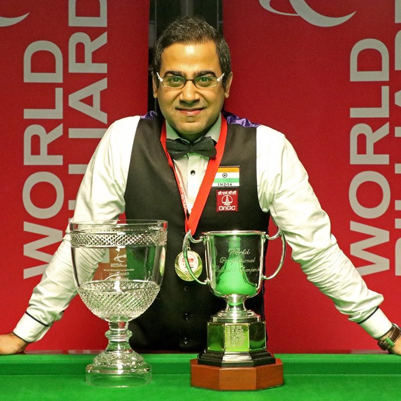 Sourav Kothari with the World Championship trophy